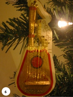 musical-xmas-tree-lute.jpg